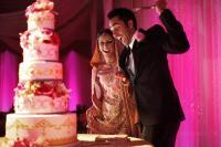 indian_couple_cutting_the_cake.jpg