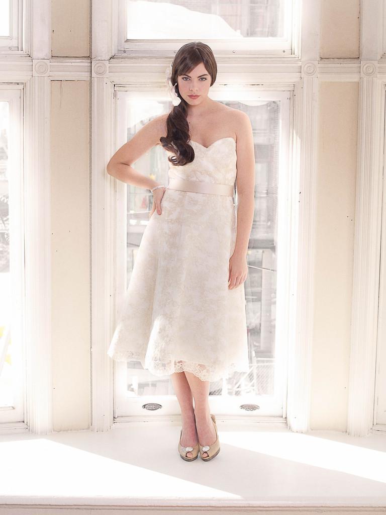 Elegant Sweetheart Wedding Dress Vintage Inspired Tea Length Bridal Gown