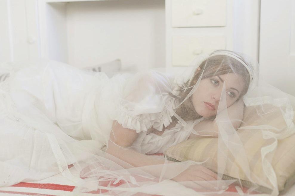 English-tulle-bridal-veil.full