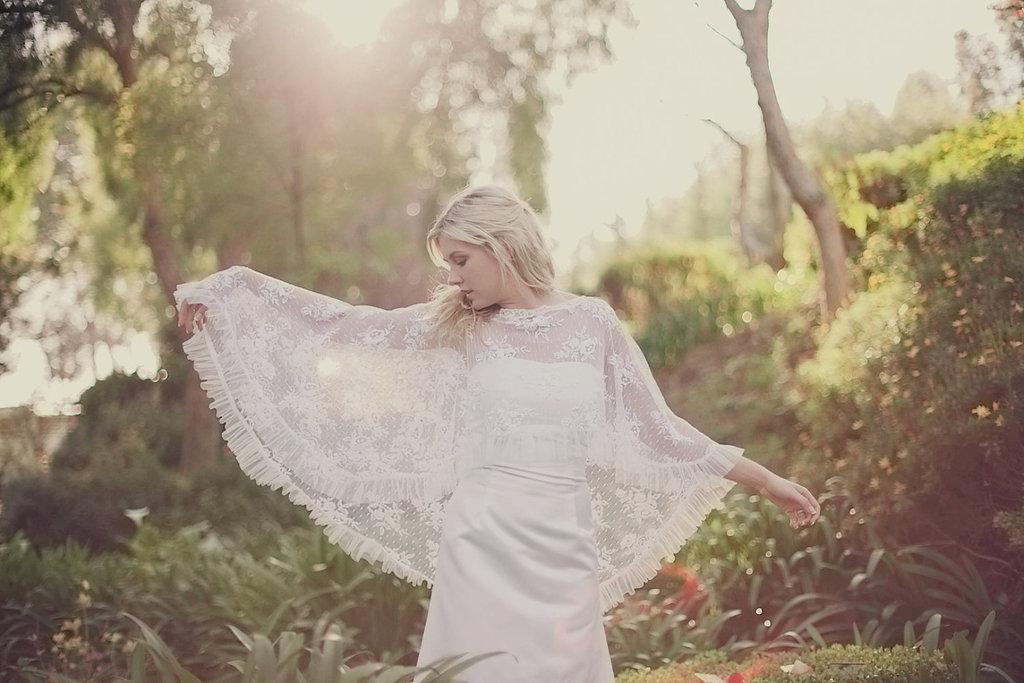 Lace-bridal-cape-pleated-hem-bohemian-vintage-bride.full