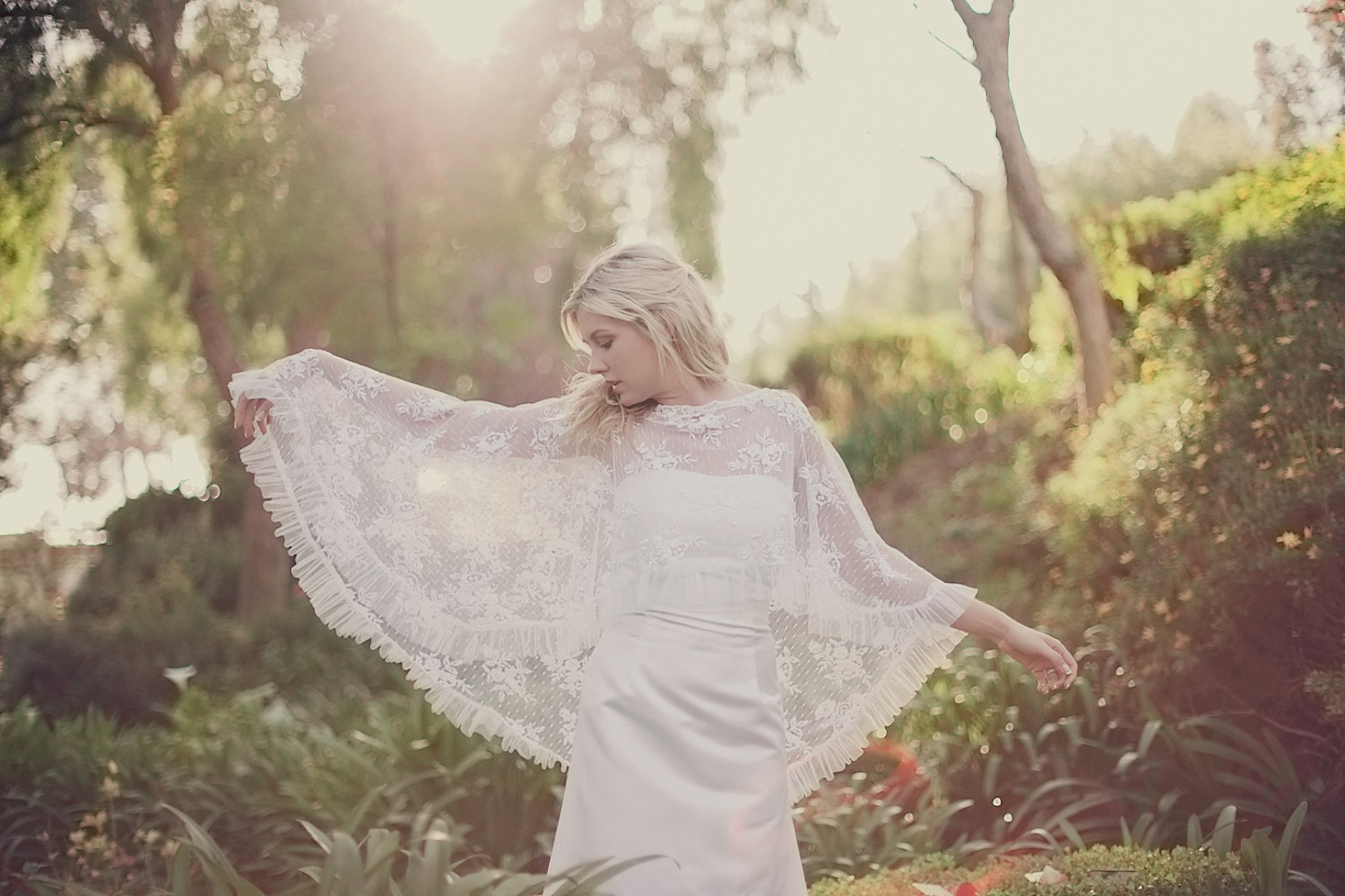 Lace-bridal-cape-pleated-hem-bohemian-vintage-bride.original
