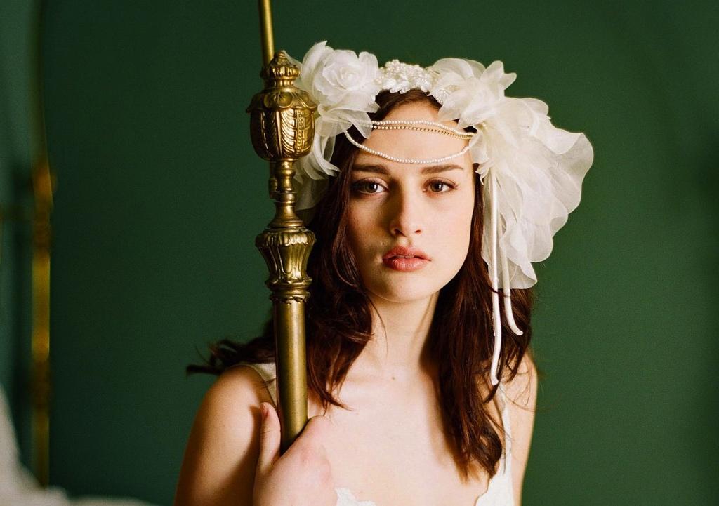 Romantic-bridal-headpiece-garden-vintage-bride.full