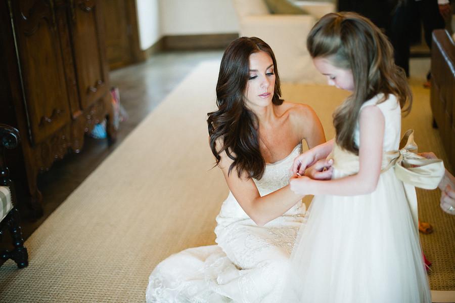 Bombshell-wedding-hair-brunette-bride.full