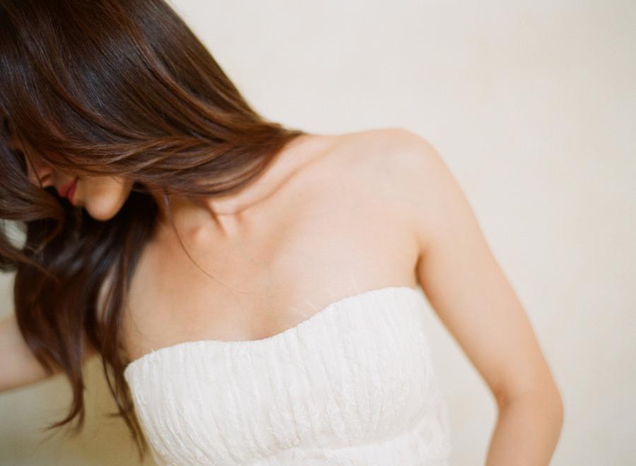 Sleek-wedding-hairstyles-all-down-long-hair.full