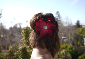 photo of DIY wedding project bridal headband with flower 2
