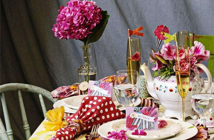 Pink-lemonade-wedding-color-palette-spring-summer-wedding-flower-ideas-reception-tablescape.full