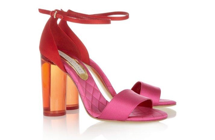 Pink-lemonade-wedding-color-palette-spring-summer-wedding-flower-ideas-bridal-heels-1.full