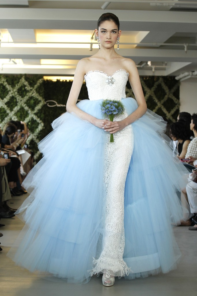 2017 Wedding Dress Trend Two Tone Bridal Gowns Oscar De La A Ivory Sky Blue Tulle