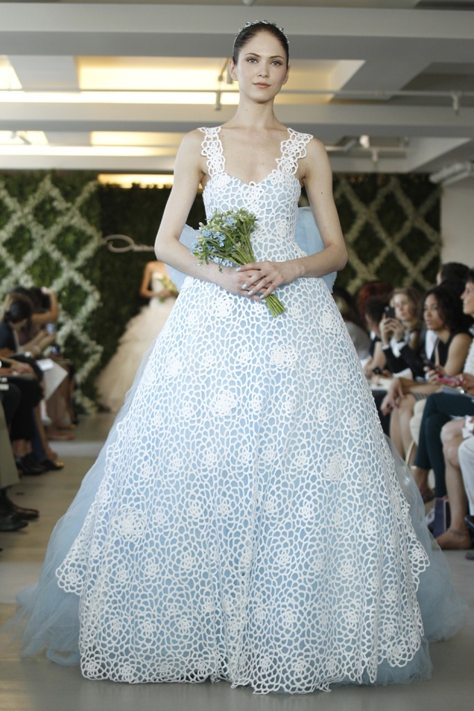 2013-wedding-dress-trend-two-tone-bridal-gowns-floral-ivory-lace-light-blue-tulle.full