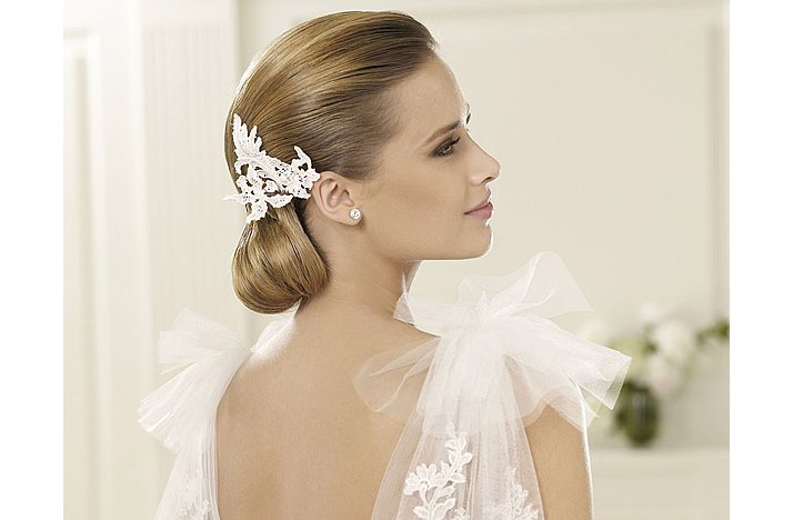 Sleek-vintage-wedding-hairstyle-low-bridal-updo-2.full