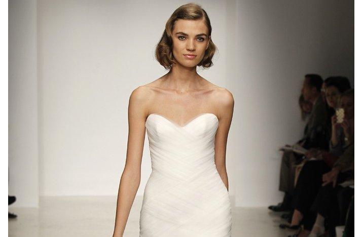 Bridal-updos-wedding-hairstyle-inspiration-2013-bridal-catwalks-kenneth-pool-3.full
