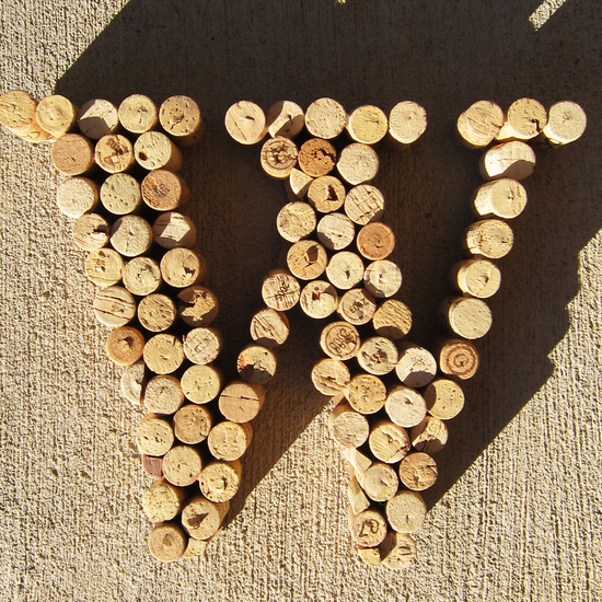 Creative wedding guest book idea wine corks