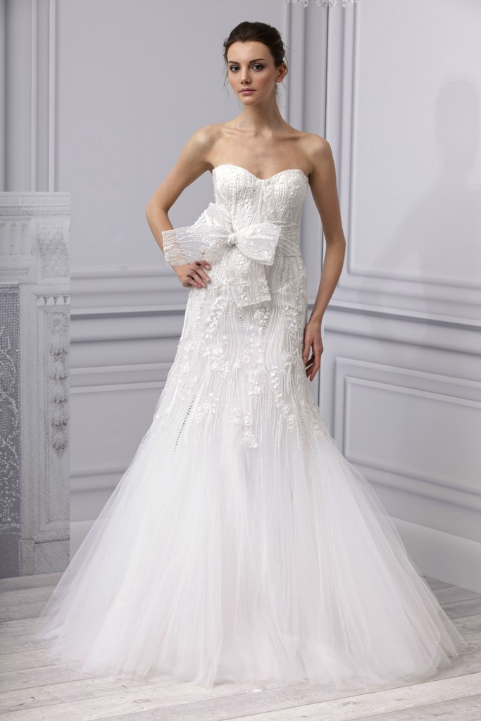 Spring-2013-wedding-dress-monique-lhuillier-bridal-gown-fit-flare-embellished-bow.full