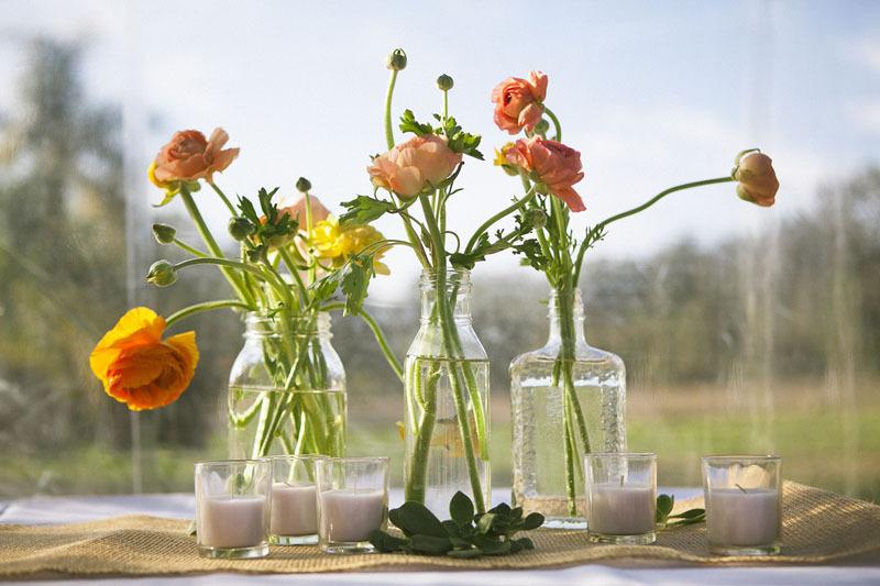 Wildflower-wedding-centerpieces-reception-table-decor-yellow-purple-orange-outdoor-wedding-4.full