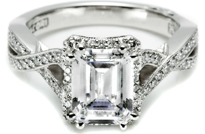 Angelina-jolie-engagement-ring-lookalikes-by-tacori-3.full