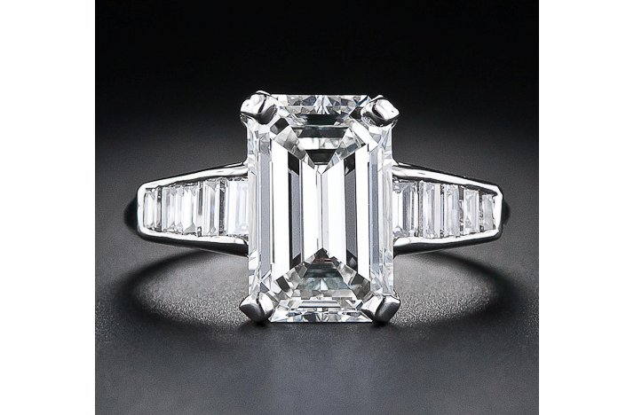 Angelina-jolie-engagement-ring-emerald-cut-diamond-engagement-rings-vintage-baguettes.full