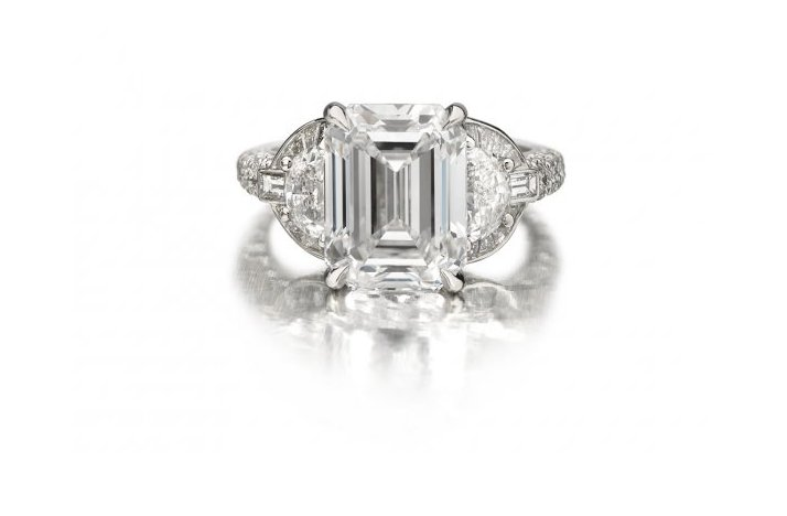 Angelina-jolie-engagement-ring-emerald-cut-diamond-engagement-rings-forevermark.full