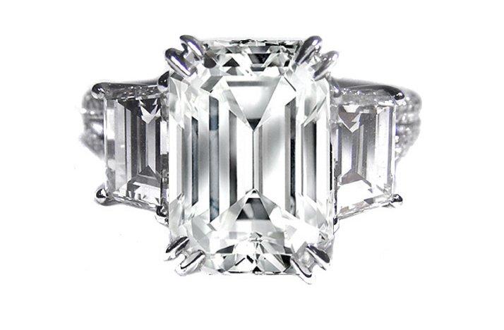 Angelina-jolie-engagement-ring-emerald-cut-diamond-engagement-rings-vintage-1.full