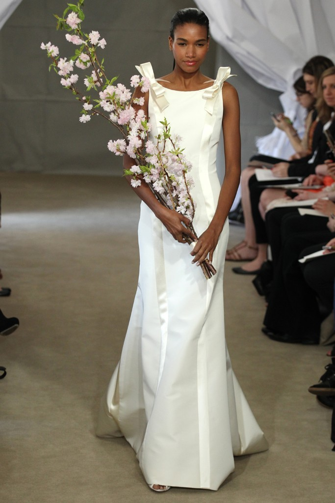 Spring-2013-bridal-gowns-carolina-herrera-wedding-dress-bow-details.full