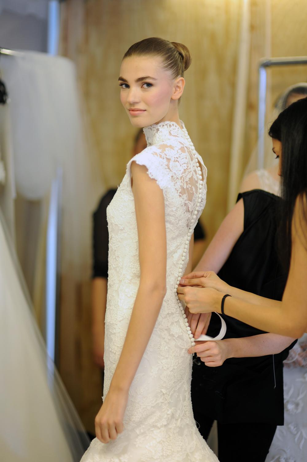 oscar de la renta spring 2013 wedding dress lace cap
