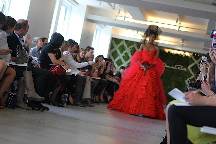 Red-wedding-dress-oscar-de-la-renta-spring-2013-ballgown.full