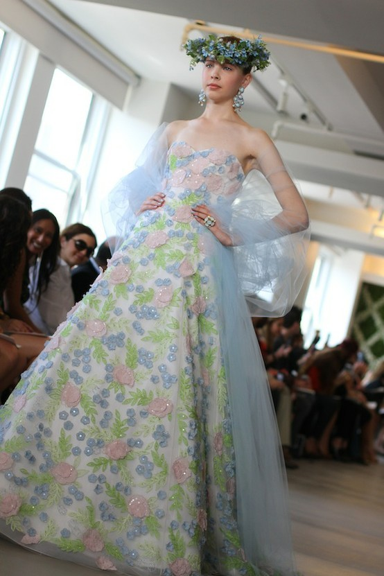 Spring-2013-wedding-dress-oscar-de-la-renta-bridal-gowns-floral.full