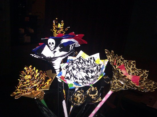 offbeat wedding ideas duct tape bridal bouquet wedding flowers 2
