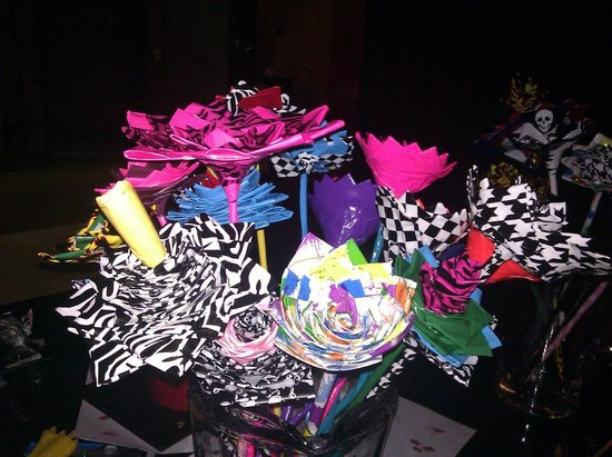 offbeat wedding ideas duct tape bridal bouquet wedding flowers 1