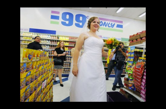 wacky wedding photos weird crazy weddings friday the 13th dollar store bride