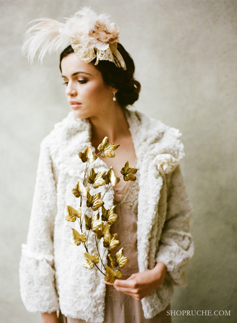 Romantic-vintage-bride-winter-wedding-fur-bolero.original