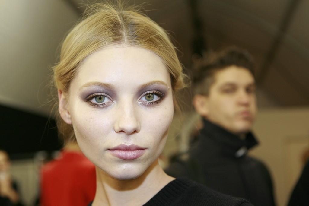 Valentino-bridal-beauty-inspiration-gray-shadow.full