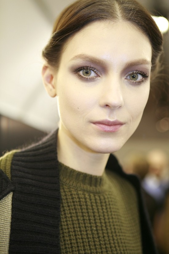 bridal beauty trends 2012 valentino gray eye shadow