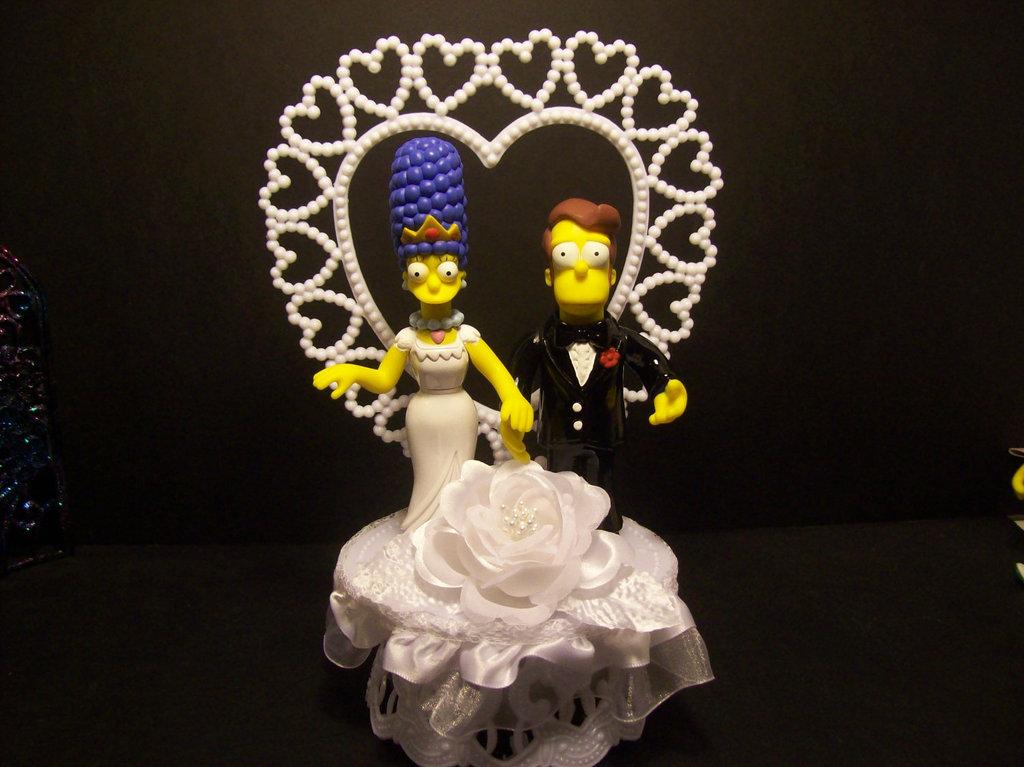 Simpsons-wedding-cake-topper.full
