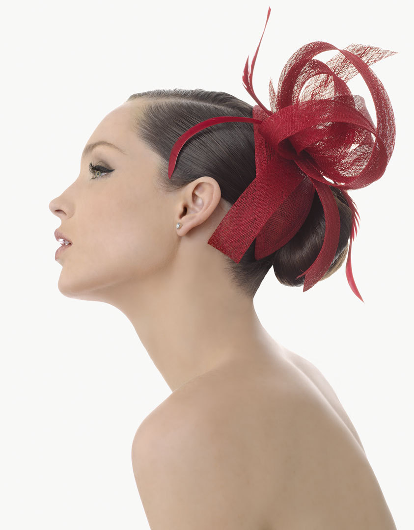 Deep-red-wedding-hair-fascinator-for-brides-or-bridesmaids.full