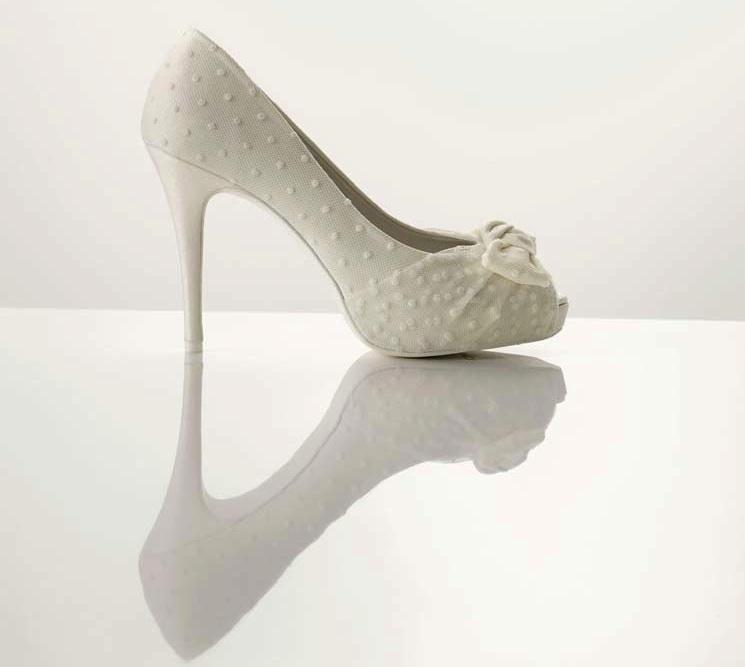 polka dots and bows white wedding shoes