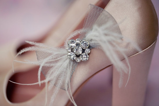 photo of Bow bridal shoe clips by Lo Boheme