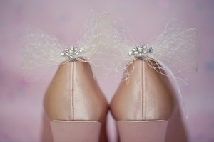 photo of Dainty tulle bridal shoe clips