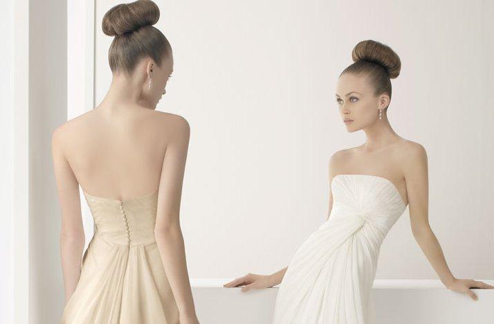 2012-wedding-dress-soft-by-rosa-clara-bridal-gowns-simple-strapless-modified-a-line.full