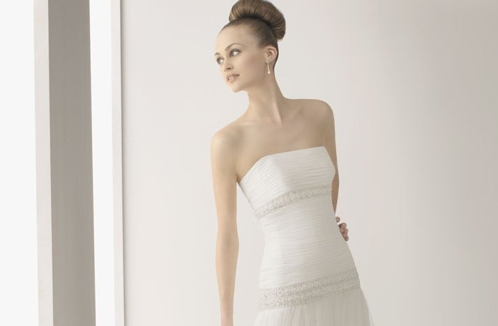 2012-wedding-dress-soft-by-rosa-clara-bridal-gowns-simple-strapless-pleated-drop-waist-bodice.full