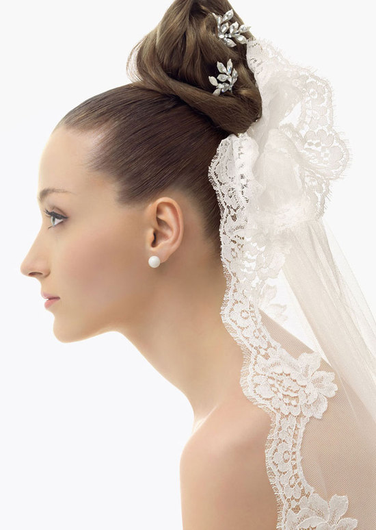 romantic bridal veils by rosa clara bridal bun