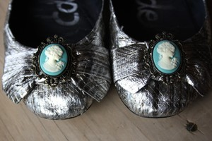 photo of Silver bridal ballet flats, cameo shoe clips