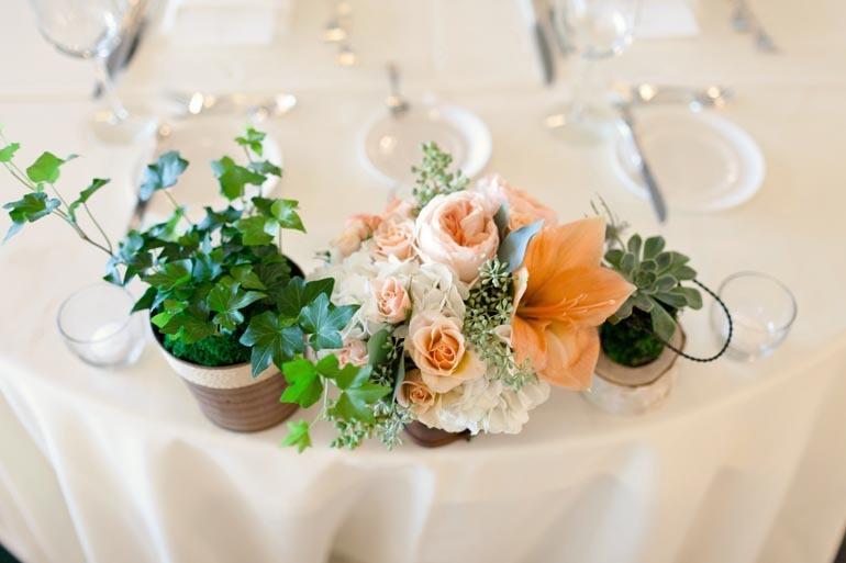 Elegant-spring-wedding-banquet-hall-wedding-reception-venue-romantic-centerpieces-2.full