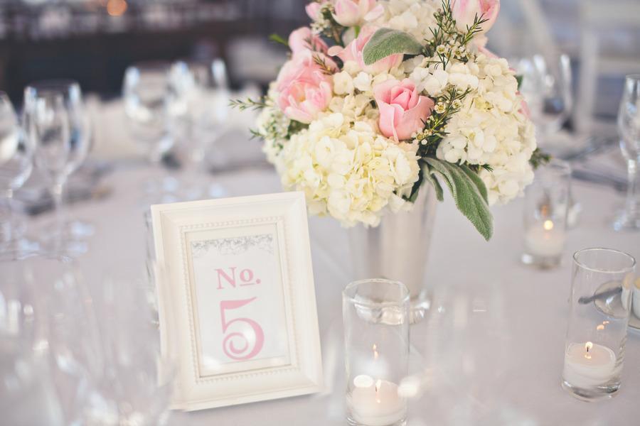 Romantic-winery-wedding-outdoor-wedding-venues-reception-centerpieces.full