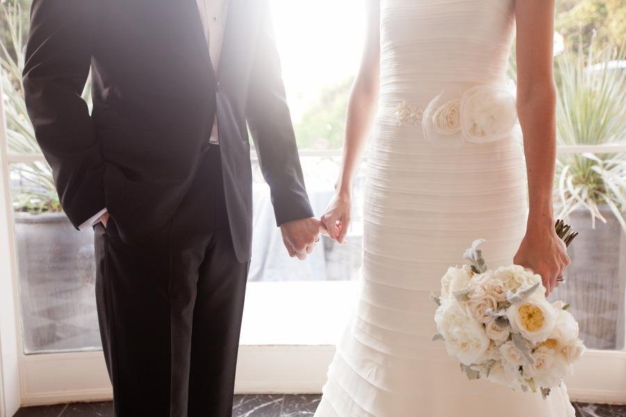 Romantic-winery-wedding-outdoor-wedding-venues-bride-groom-hold-hands.full