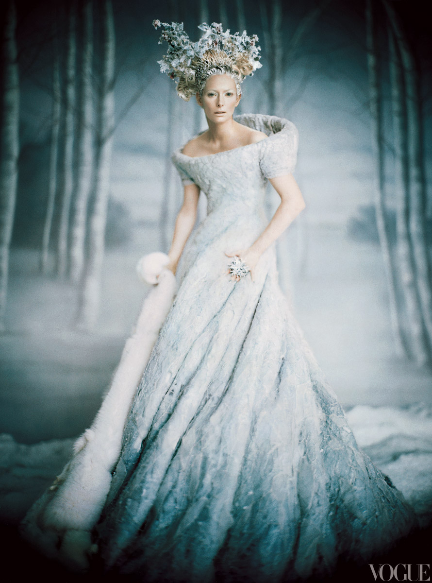 Winter-wedding-inspiration-ombre-wedding-dress.original