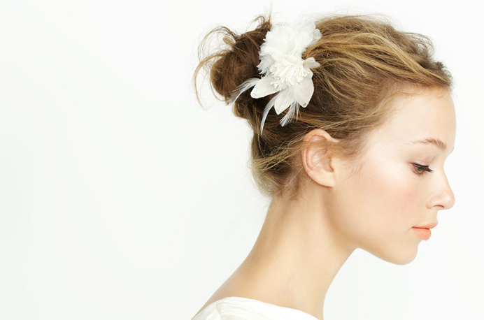 Summer-2012-wedding-hair-accessories-bridal-hair-flower-j-crew.original