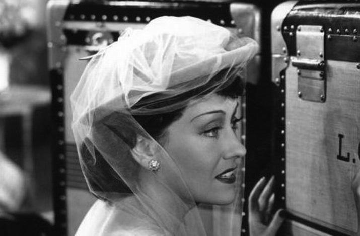 Vintage-brides-wedding-hair-makeup-inspiration-black-white-wedding-photos-vintage-bridal-hat-2.full