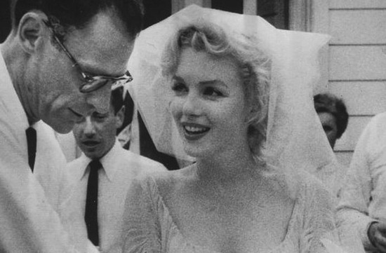 vintage brides wedding hair makeup inspiration black white wedding photos marilyn monroe wedding
