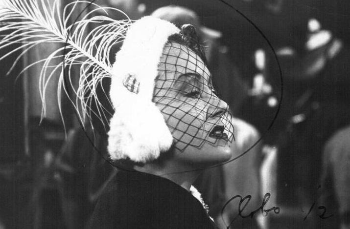 Vintage-brides-wedding-hair-makeup-inspiration-black-white-wedding-photos-haute-couture-veil.full
