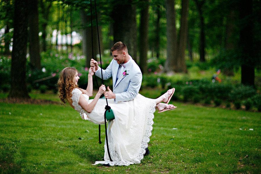 Romantic-spring-wedding-outdoor-venue-bride-groom-2.full
